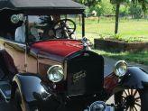 Ford T sur la route